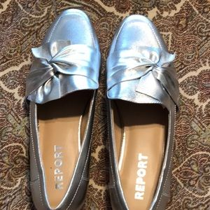 Report Silver Loafer Size 7.5M